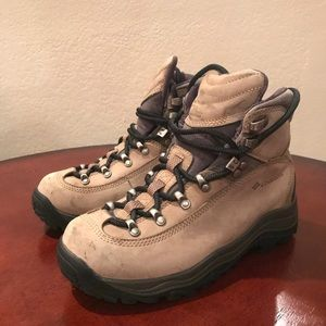 Columbia Elkridge Boots Tan Black Sz. 6.5